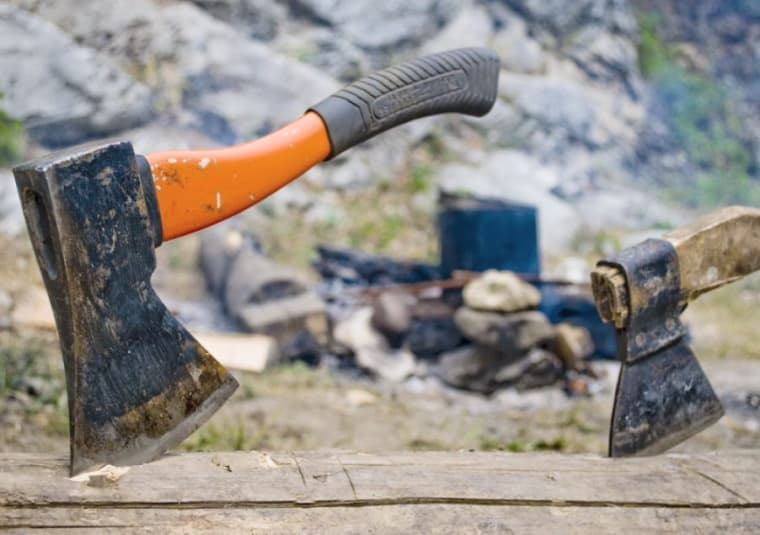 Discover Our Favorite Hatchets Of The Year - Top Tips on Hatchet Specs & Usage 1