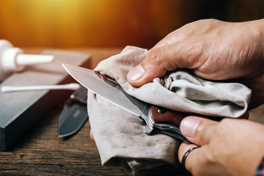 How to Sharpen a Pocket Knife - Top Methods for a Razor Sharp Knife 5